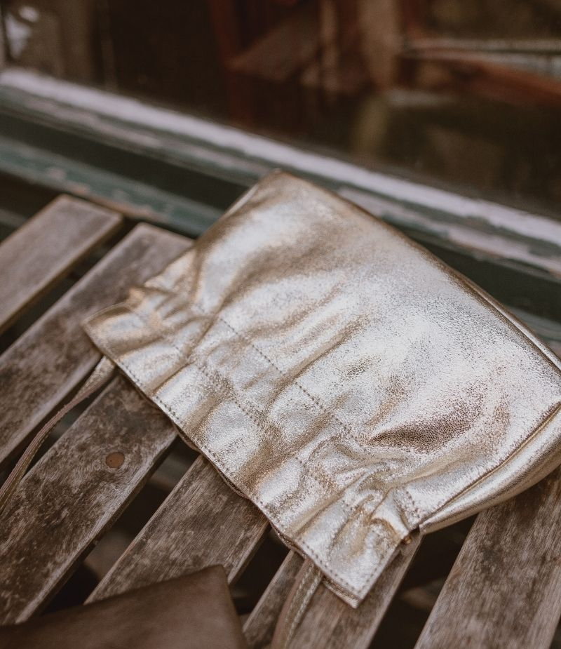 Sac bandoulière cuir réglable et possibilité de la retirer
