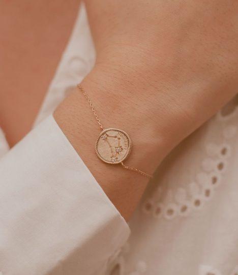 Bracelet signe astrologique - Capricorne / Bijoux en plaqué or 18 carats pour femme.