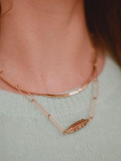 collier maille trombone dore et collier fin dore pour femme