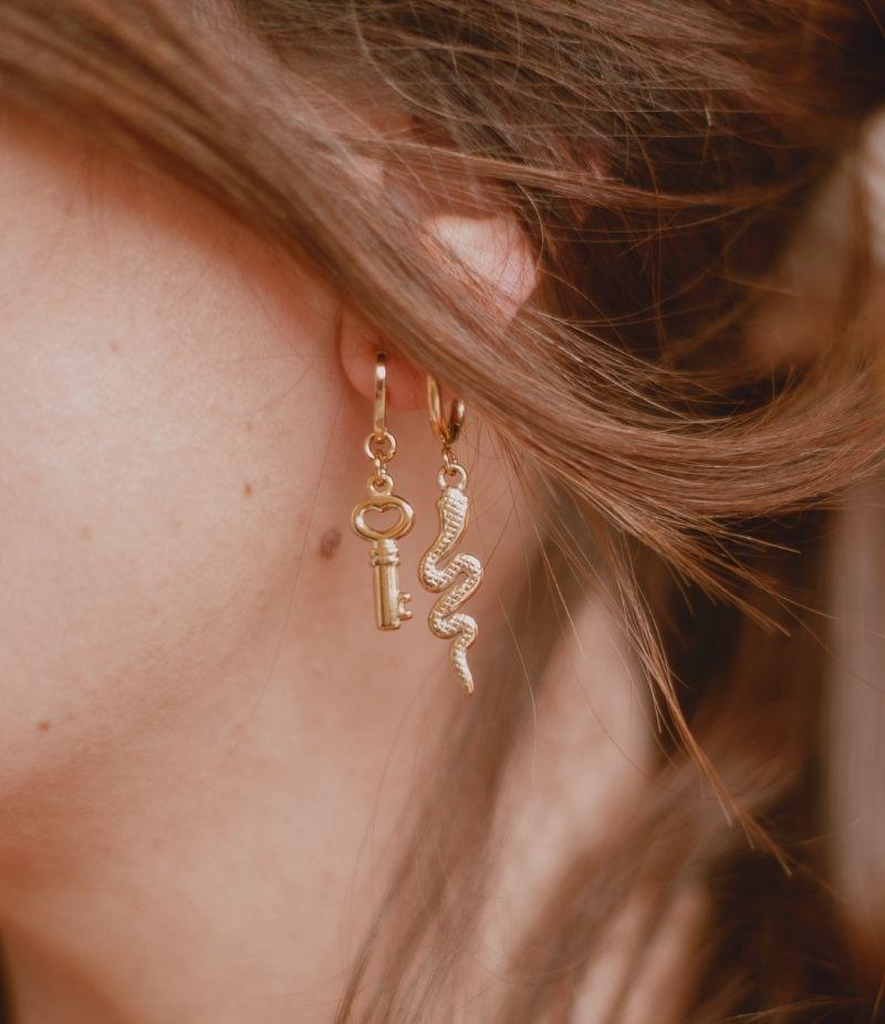 Mini creoles acier inoxydable doré pour femme